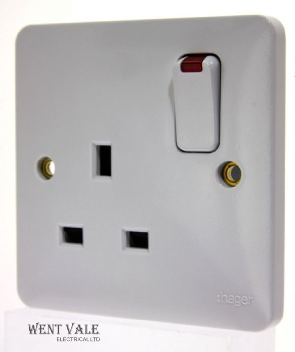 Hager Sollysta White Moulded - WMSS81N - 13 Amp Single Switched Socket with Neon